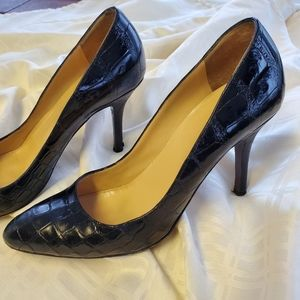 Fendi black pumps almond toe croc embossed